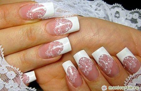 Свадебный дизайн ногтей должен не нарушать гармоничный и изящный образ невесты, а выгодно его оттенять, подчеркнув значимость события