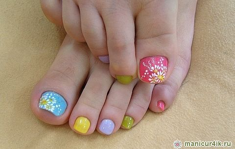 Trendy pedicure spring-summer 2014 (photo)