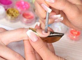 Особенности и характеристики мономеров для наращивания ногтей
